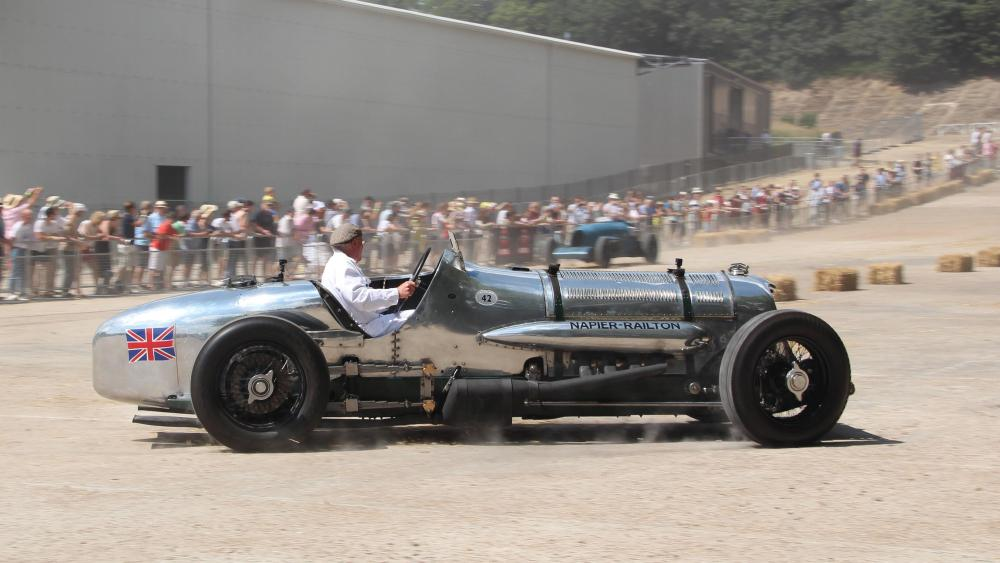 33-Napier-Railton-Finishing-Straight-Photo-courtesy-Brooklands-Museum-Katharine-Allen.thumb.jpg.625b44bc87db4a4ef43cac9d66e39b3d.jpg